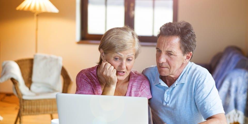 Quyền lợi của người lao động cao tuổi khi tham gia bảo hiểm là gì?