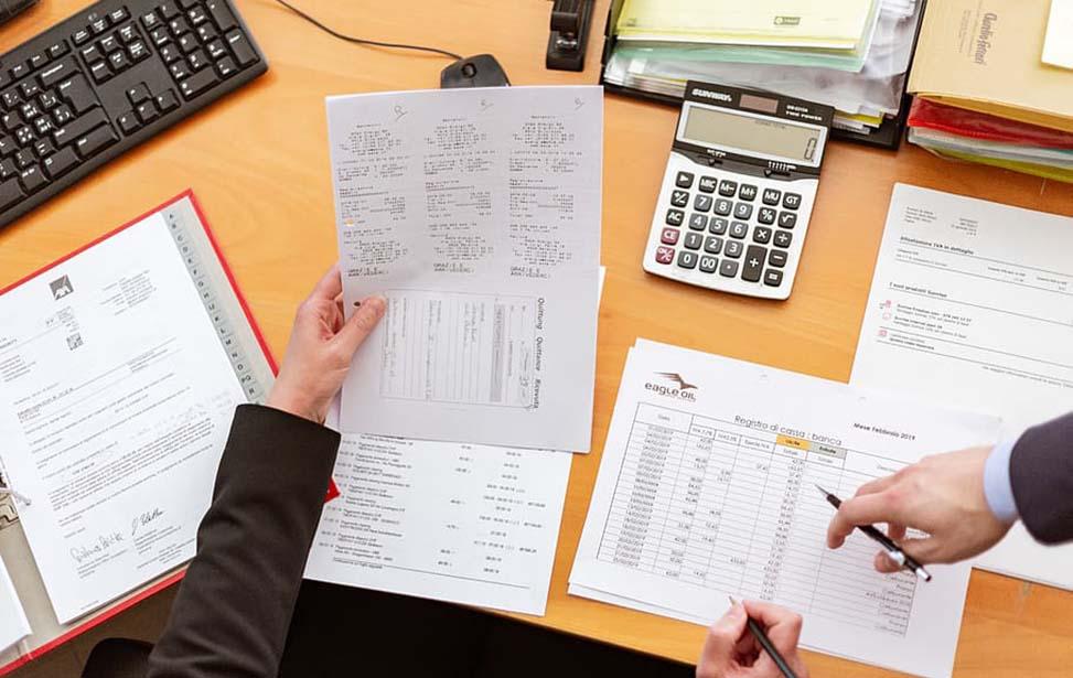 Cách viết đơn xin nghỉ việc đầu tiên cần chú ý tới hình thức.