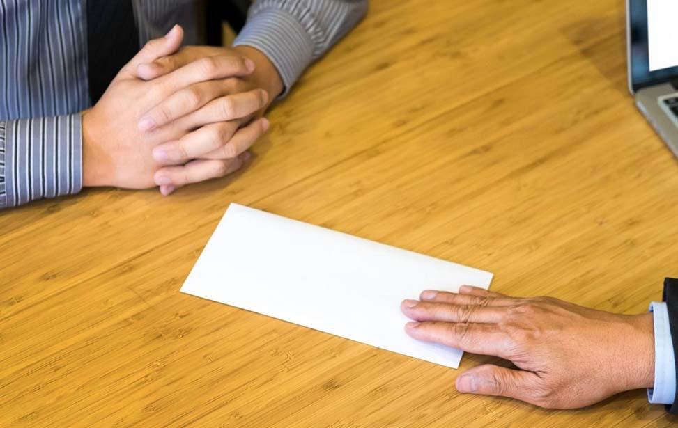 Lưu ý các lỗi cần tránh khi viết đơn xin nghỉ việc.